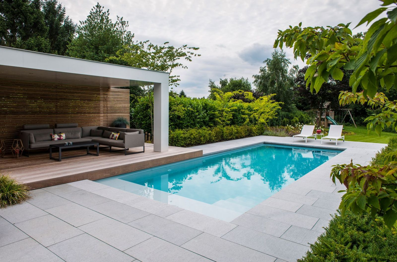 Xây dựng bể bơi- đảm bảo yếu tố phong thủy